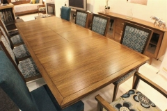 oakley dining setting